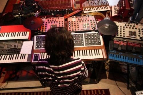 Synthétiseurs analogiques,in-doors tour, 2009,jean-michel jarre